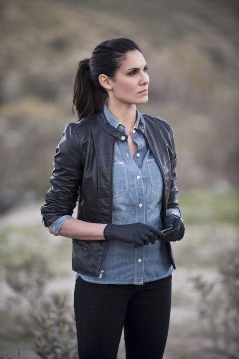 Kensi (Daniela Ruah) und Deeks glauben, dass Hetty über ihre Beziehung Bescheid weiß, da sie bei den Ermittlungen in einem neuen Fall getrennt wurde... - Bildquelle: CBS Studios Inc. All Rights Reserved.