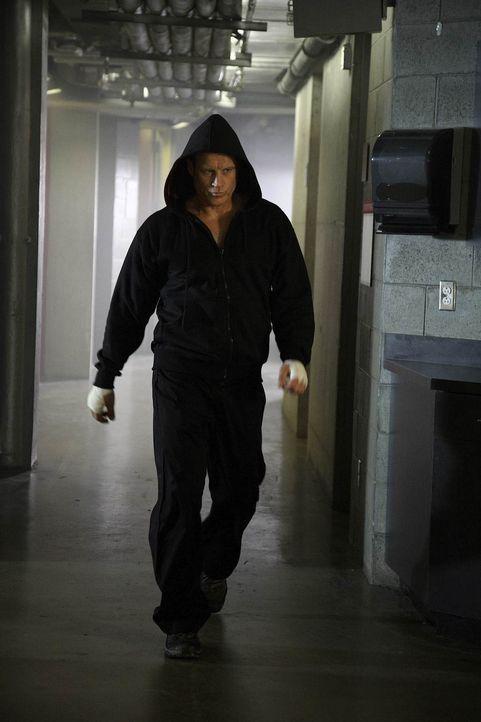 Arbeitet an einem neuen Auftrag: Christopher Chance (Mark Valley) ... - Bildquelle: Warner Brothers