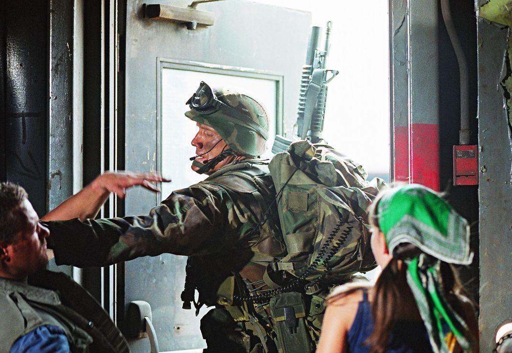 Die Vergangenheit lässt den Lehrer und Ex-Special Force Marinesoldaten Sam Decker (Dolph Lundgren) nicht los ... - Bildquelle: Nu Image