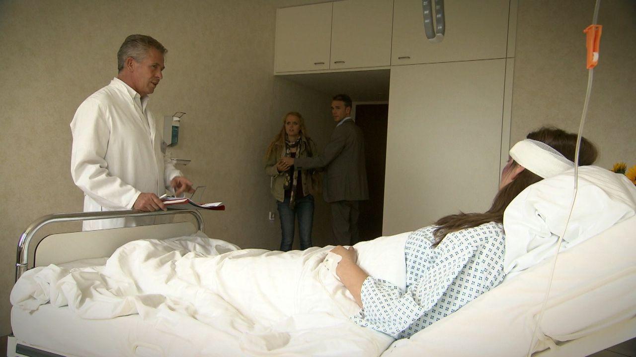 Die BWL-Studentin Franziska (r.) wacht nach einem schweren Verkehrsunfall im Krankenhaushaus auf. Ihre Verletzungen werden heilen, doch sie leidet u... - Bildquelle: SAT.1