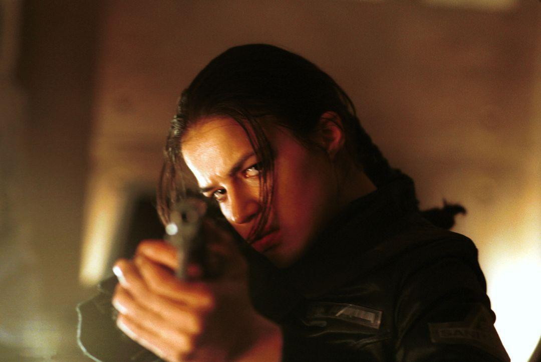 Der Kampf ums Überleben beginnt für Rain (Michelle Rodriguez) in den Tiefen der Umbrella Corporation ... - Bildquelle: Constantin Film Verleih GmbH