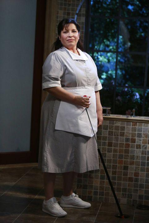 Carmen (Bunnie Rivera) scheint ihre Arbeit gut zu machen. Als Haushälterin wird sie von ihrem alten Chef so sehr vermisst, dass er vollkommen durchd... - Bildquelle: Warner Brothers