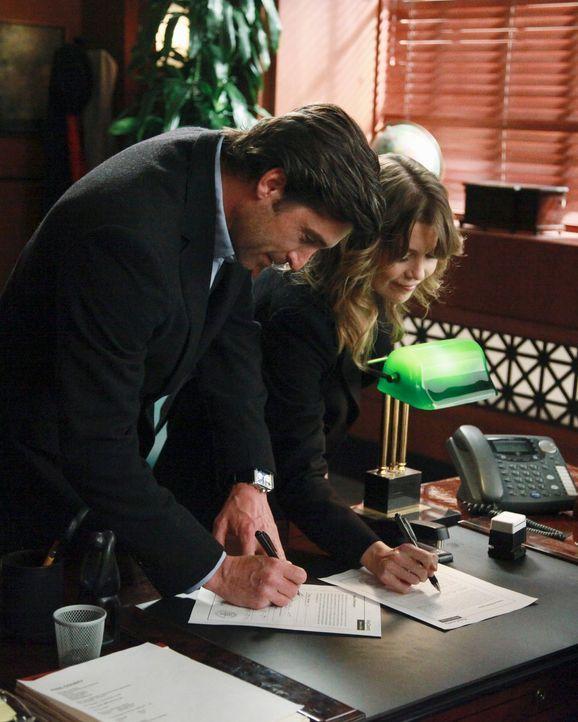 Um die kleine Zola adoptieren zu können, geben sich Meredith (Ellen Pompeo, r.) und Derek (Patrick Dempsey, l.) das Ja-Wort ... - Bildquelle: ABC Studios