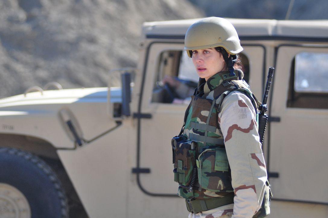 Eines Tages holt die Vergangenheit Ex-Marine Abby Collins (Catherine Bell) ein und sie muss alles riskieren, um das Leben ihres Mannes zu retten ... - Bildquelle: 2011 Sony Pictures Television Inc. All Rights Reserved.