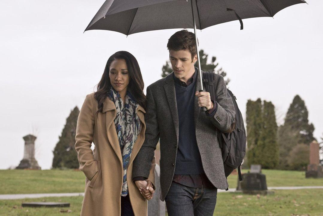 Um ihren Barry (Grant Gustin, r.) wiederzubekommen, riskiert Iris (Candice Patton, l.) alles. Doch reicht das aus? - Bildquelle: Warner Bros. Entertainment, Inc.
