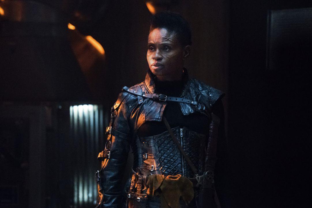 Indra (Adina Porter) - Bildquelle: Dean Buscher 2018 The CW Network, LLC. All rights reserved./Dean Buscher