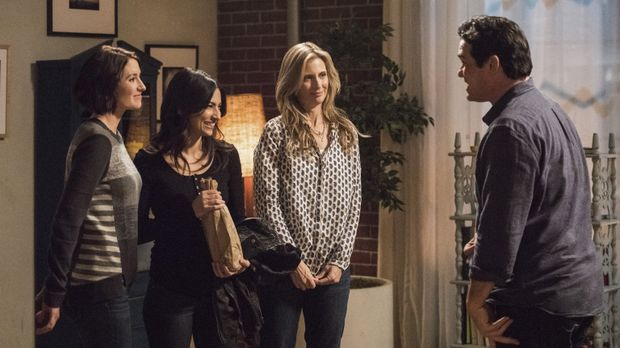 Können Alex (Chyler Leigh, l.), ihre Mutter (2.v.r.) und Maggie (Floriana Lim...