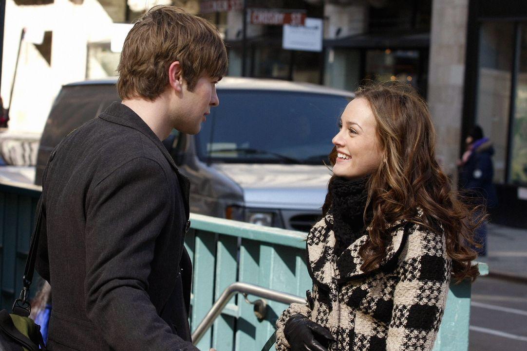 Um Blair (Leighton Meester, r.) aus dem Dunstkreis von Chuck fernzuhalten, hat Nate (Chace Crawford, l.) eine Wohnung für sie angemietet. Doch wird... - Bildquelle: Warner Brothers