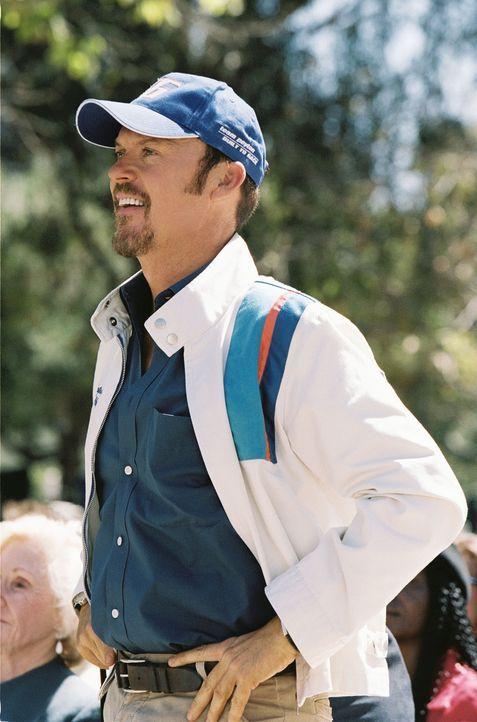 Maggies übervorsichtiger Vater Ray (Michael Keaton) unternimmt alles, um seine Tochter davon abzuhalten, ihren Traum zu verwirklichen, an einem NAS... - Bildquelle: Walt Disney Pictures