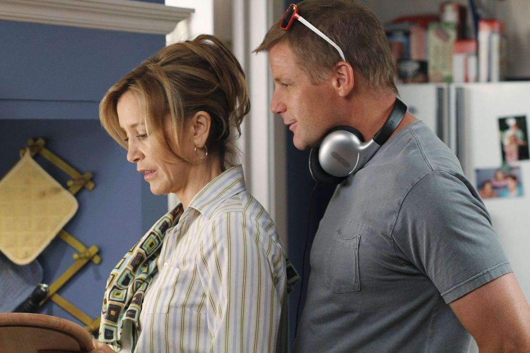 Susan legt sich mit ihrer Konkurrenz an, während Lynette (Felicity Huffman, l.) einen Weg sucht, um Tom (Doug Savant, r.) aufzuheitern ... - Bildquelle: ABC Studios