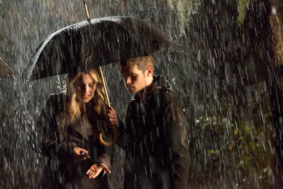 Werden Rebekah (Claire Holt, l.) und Klaus (Joseph Morgan, r.) ihre tiefgreifende Entscheidung bereuen? - Bildquelle: Warner Bros. Television