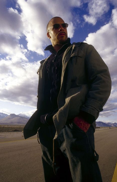 Auf gnadenlosem Rachefeldzug: Vetter (Vin Diesel) ... - Bildquelle: Warner Bros. GmbH