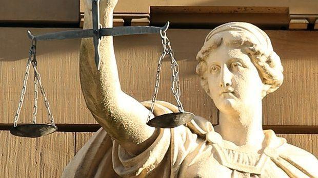 Auch auf rechtlicher Ebene möchten die europäischen Staaten enge zusammenarbe...