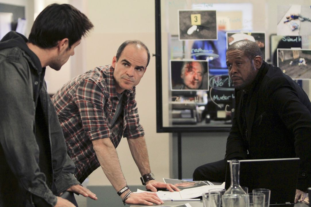 Die Ermittlungen laufen auf Hochtouren: Mick (Matt Ryan, l.), John (Michael Kelly, M.) und Sam (Forest Whitaker, r.) ... - Bildquelle: ABC Studios