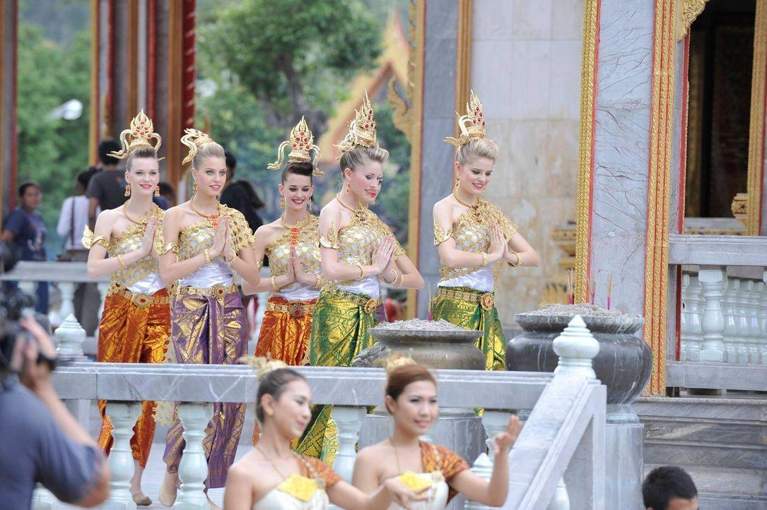 germanys-next-topmodel-stf07-epi03-thai-dance-065-oliver-s-prosiebenjpg 1700 x 1131 - Bildquelle: Oliver S./ProSieben