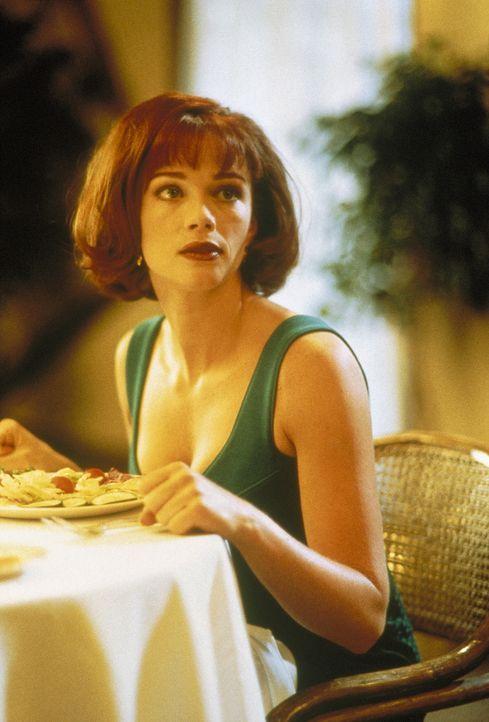 Die unglückliche Mary Swanson (Lauren Holly) gerät ausgerechnet an die beiden größten Idioten des Universums ... - Bildquelle: New Line Cinema
