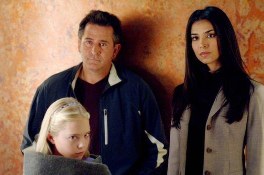 Without a Trace - Was musste die kleine Melissa (Danielle Chuchran, l.) die l...