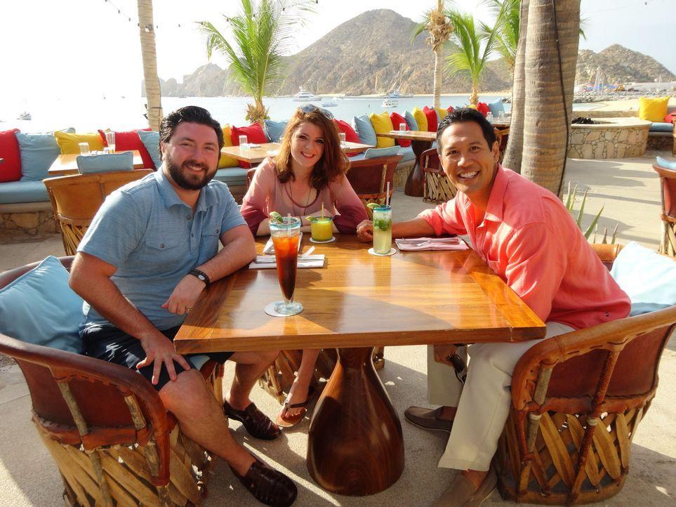 Dustin (l.) und Annie suchen eine Bleibe in ihrem Lieblingsurlaubsort Cabo San Lucas, da seine hochschwangere Frau aber nicht mehr reisen darf, unte... - Bildquelle: 2014, HGTV/Scripps Networks, LLC. All Rights Reserved.