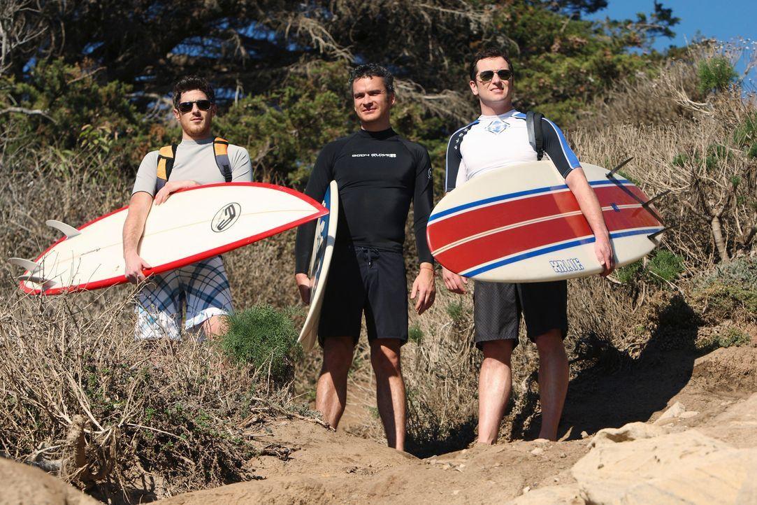 Fahren gemeinsam nach Baja, um kurzzeitig dem Stress zu entkommen: Kevin (Matthew Rhys, r.), Justin (Dave Annable, l.) und Tommy (Balthazar Getty, M... - Bildquelle: 2008 ABC INC.