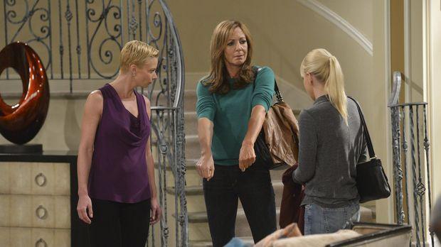Jill (Jaime Pressly, l.) hat ihren Entzug hinter sich, weshalb sich Christy (...
