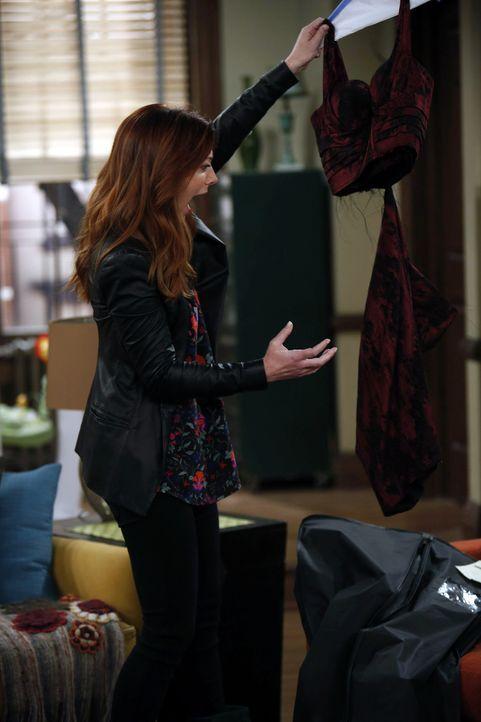 Mit Schrecken muss Lily (Alyson Hannigan) erfahren, was tatsächlich mit ihrem Kleid fürs Hochzeitsprobeessen geschehen ist ... - Bildquelle: 2013 Twentieth Century Fox Film Corporation. All rights reserved.
