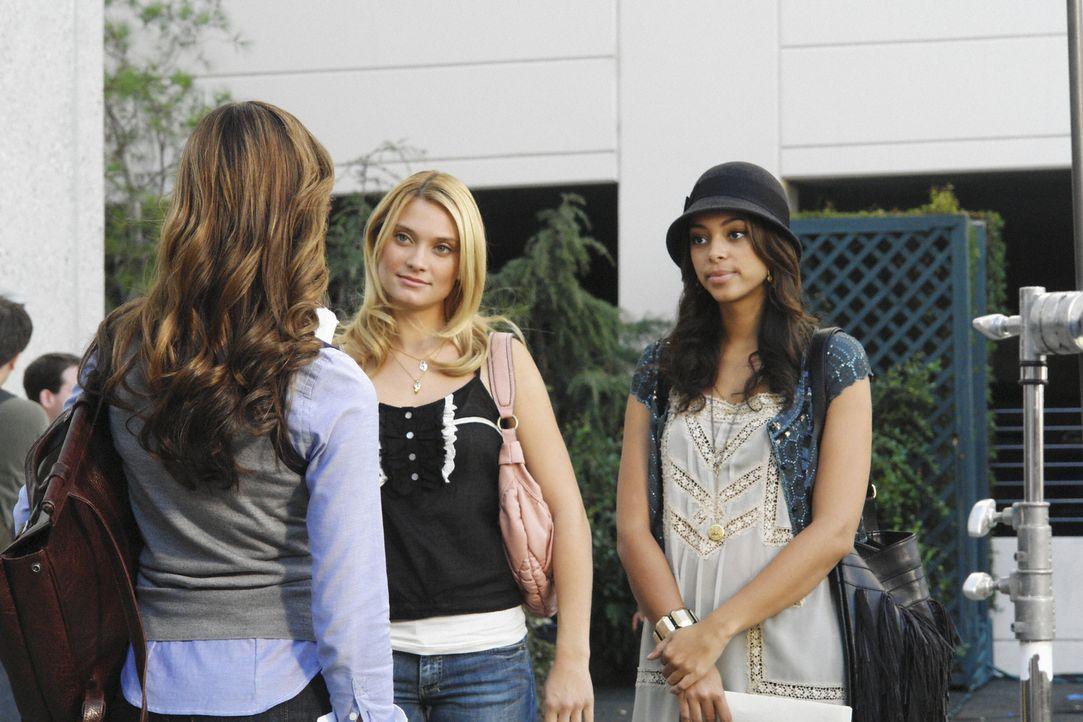 Gehen auf Fuchsjagd: Frannie (Tiffany Dupont, l.), Ashleigh (Amber Stevens, r.) und Casey (Spencer Grammer, M.) ... - Bildquelle: 2008 ABC Family