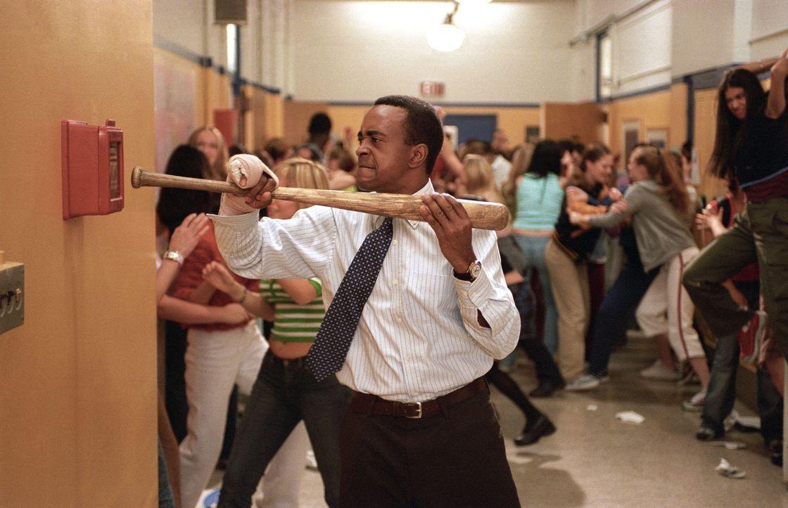 Zickenkrieg im Schulgebäude: Mr. Duvall (Tim Meadows) holt Polizei und Feuerwehr ... - Bildquelle: Paramount Pictures