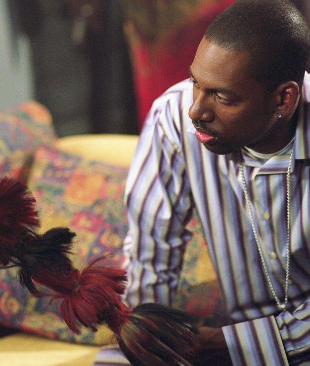 Dana (Tony Rock) tut sich schwer zu verstehen, warum Renato glaubt, ein Weißer zu sein ... - Bildquelle: Warner Brothers