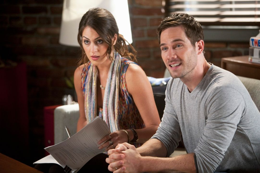Scotty (Luke Macfarlane, r.) ist froh, auch Kevin von Michelle (Roxy Olin, l.) als Leihmutter überzeugen zu können. Wird sein Traum endlich wahr? - Bildquelle: 2009 American Broadcasting Companies, Inc. All rights reserved.