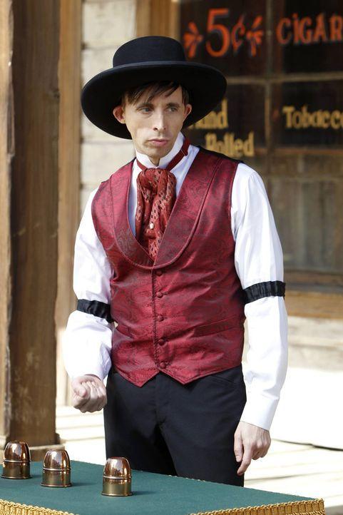 Bei den Ermittlungen stoßen Patrick und seine Kollegen auf einen Zauberer (Kevin Cahoon). Doch hat er mit dem Mord an Hollis Percy etwas zu tun? - Bildquelle: Warner Bros. Television