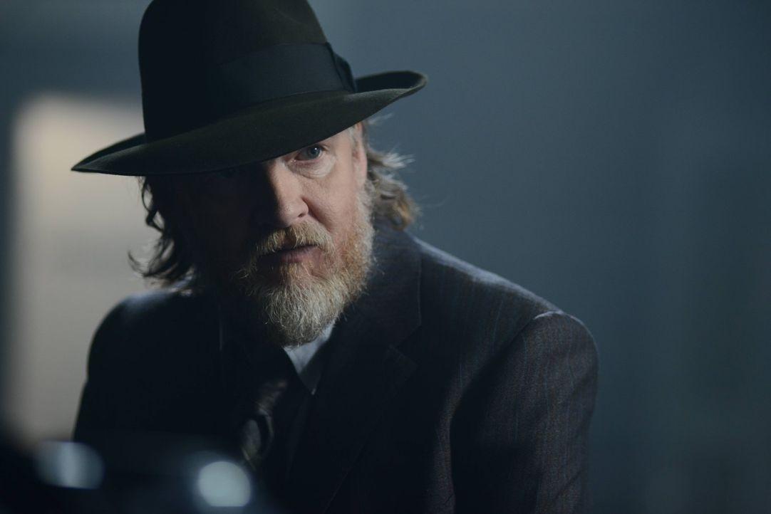 Gemeinsam mit Gordon möchte Bullock (Donal Logue) in der Stadt wieder für Respekt und Ordnung sorgen ... - Bildquelle: Warner Brothers