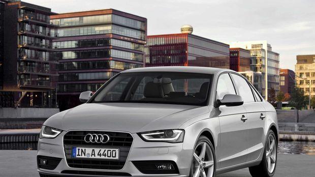 Der Audi A4 bekommt ein neues Gesicht: Der Mittelklasse-Bestseller aus Ingols...