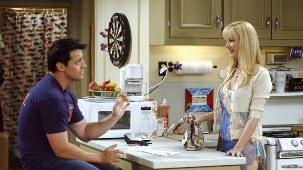 Phoebe (Lisa Kudrow) und Joey (Matt LeBlanc) arrangieren sich gegenseitig Bli...