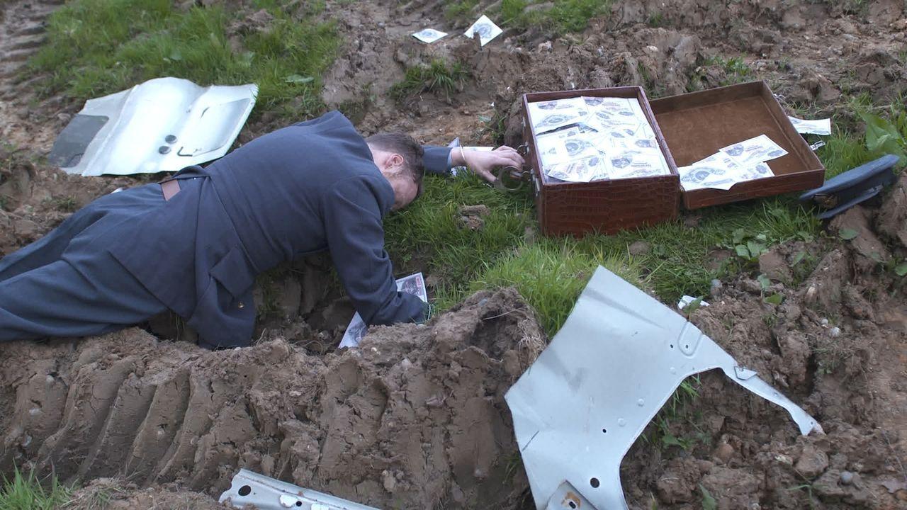 In geheimer Mission: Warum wurde 1942 beim Flugzeugabsturz der tote Herzog von Kent mit einer Aktentasche voller Geld und Notizen gefunden? Was hatt... - Bildquelle: 2015 Channel 5 Broadcasting Limited