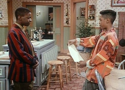 Bill Cosby Show - Stanley (Merlin Santana, r.) überbringt Kenny (Deon Richmon...