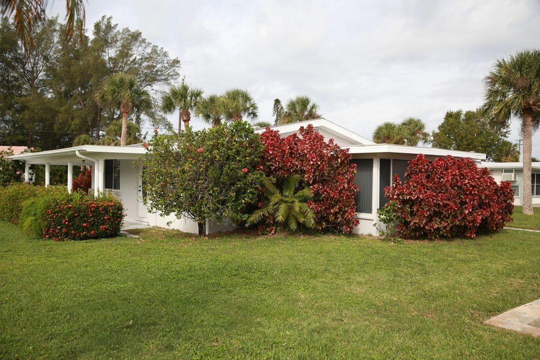 Lisa und Jim sind auf der Suche nach einem Sommerhaus am Strand von Manasota Key ... - Bildquelle: 2014,HGTV/Scripps Networks, LLC. All Rights Reserved