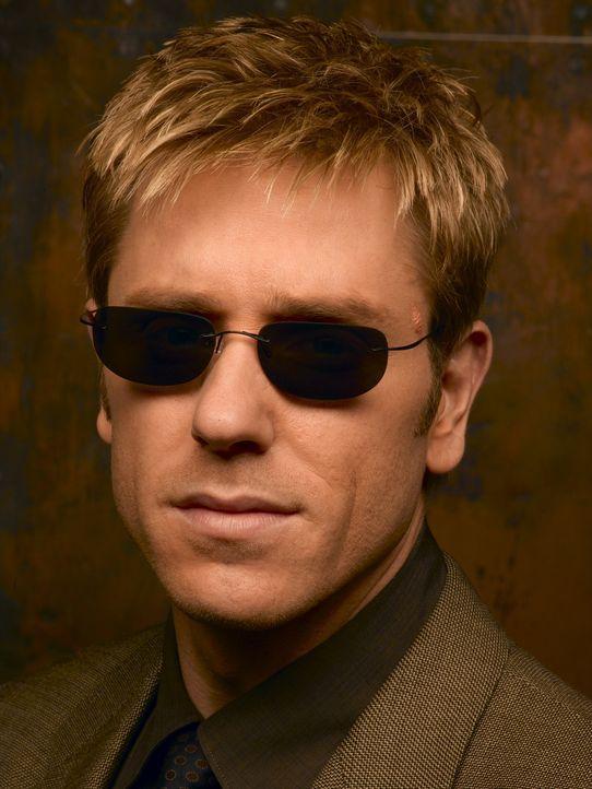 (1. Staffel) - Während einer Schießerei verliert der New Yorker Detective Jim Dunbar (Ron Eldard) sein Augenlicht, doch das hält ihn nicht davon... - Bildquelle: TM &   2006 CBS Studios Inc. All Rights Reserved.