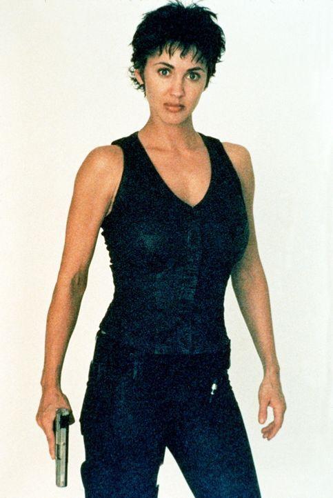 Wie ein Chamäleon kann sich Kam (Bobbie Phillips) ihrer Umgebung optisch anpassen. So ist sie für ihre Gegner unsichtbar ... - Bildquelle: United Paramount Network