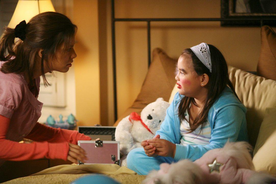 Fünf Jahre später: Gabrielle (Eva Longoria, l.) ist mittlerweile Mutter von der kleinen Juanita (Kaili Say, r.) und gar nicht mehr so glamourös ... - Bildquelle: ABC Studios