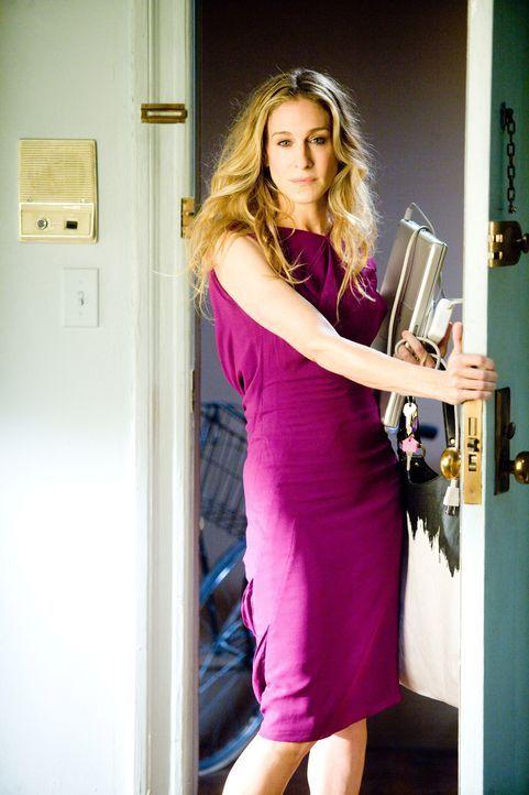 Ein letzter, wehmütiger Blick in ihr Appartement: Carrie Bradshaw (Sarah Jessica Parker) wagt den Schritt in eine gemeinsame Zukunft mit Mr. Big ... - Bildquelle: Warner Brothers