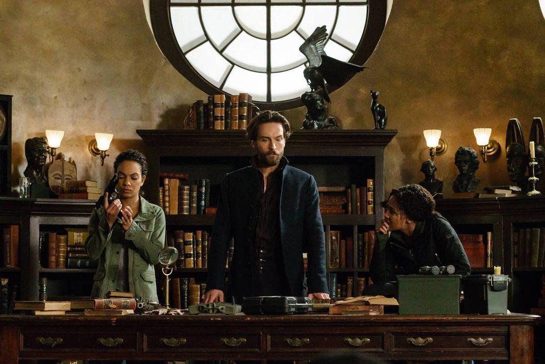 Ihre Mission verläuft anders, als Jenny (Lyndie Greenwood, l.), Crane (Tom Mison, M.) und Abbie (Nicole Beharie, r.) gehofft haben ... - Bildquelle: 2015-2016 Fox and its related entities.  All rights reserved.