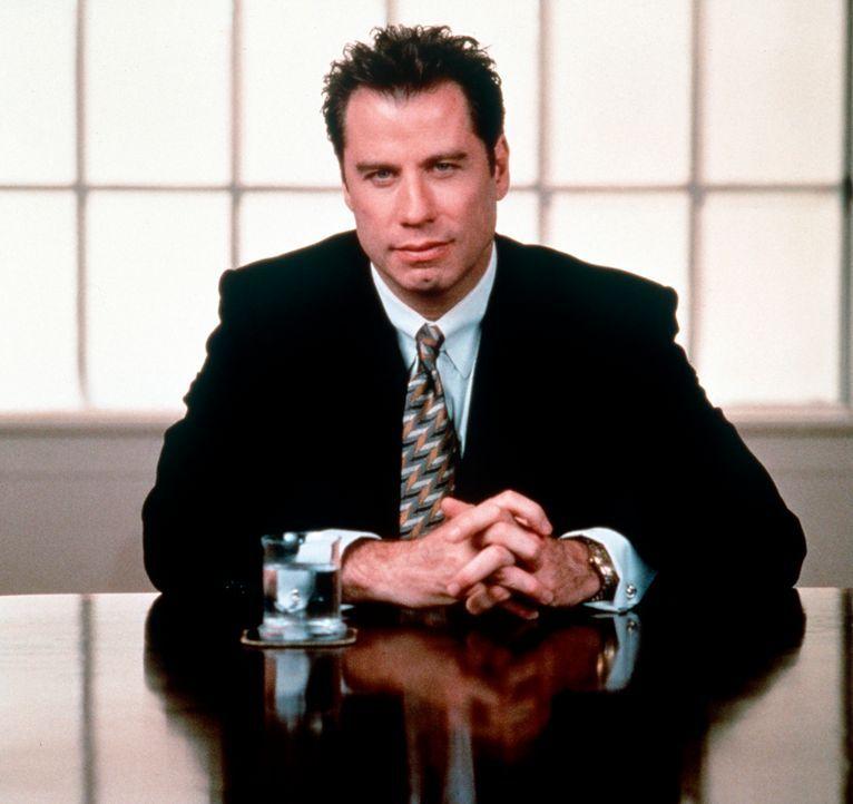 Aus Gründen der Reputation lässt sich der blasierte Anwalt Jan Schlichtmann (John Travolta) auf einen komplizierten Fall ein. Doch dann wird Schlich... - Bildquelle: Paramount Pictures