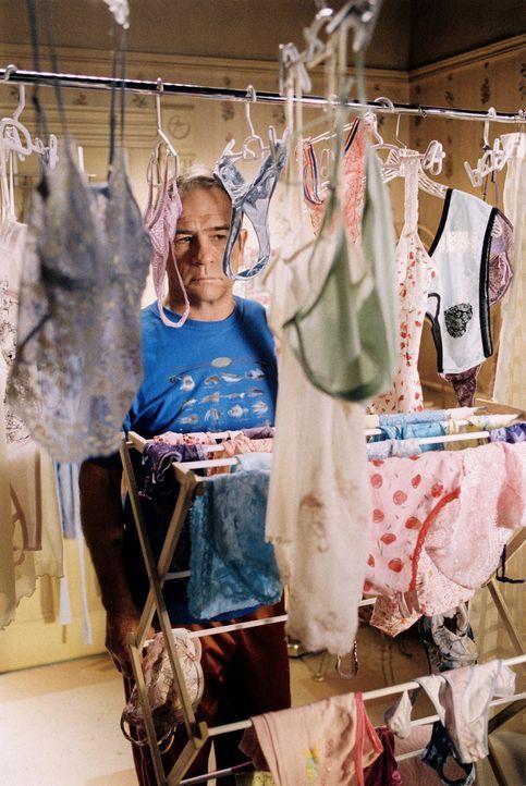 Texas Ranger Roland Sharp (Tommy Lee Jones) muss sich seinem bisher schwersten Auftrag stellen: auf fünf praktisch unkontrollierbare junge Damen au... - Bildquelle: Sony Pictures Entertainment