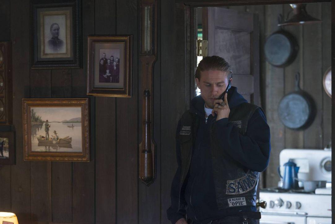 Während Nero von seiner Gang in die Enge getrieben wird, spielt Jax (Charlie Hunnam) weiterhin ein gefährliches Spiel mit der irirschen und der chin... - Bildquelle: 2013 Twentieth Century Fox Film Corporation and Bluebush Productions, LLC. All rights reserved.