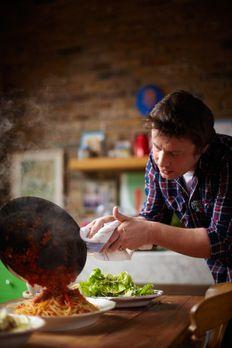 Jamie Oliver - Spaghetti alla puttanesca stehen heute bei Jamie Oliver auf de...