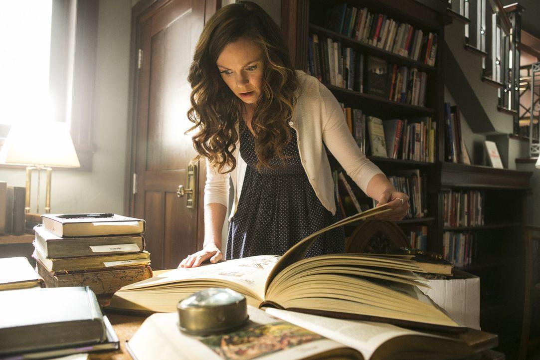 Bei der Recherche für Dr. Foster macht Ingrid (Rachel Boston) eine erstaunliche Entdeckung ... - Bildquelle: 2014 Twentieth Century Fox Film Corporation. All rights reserved.