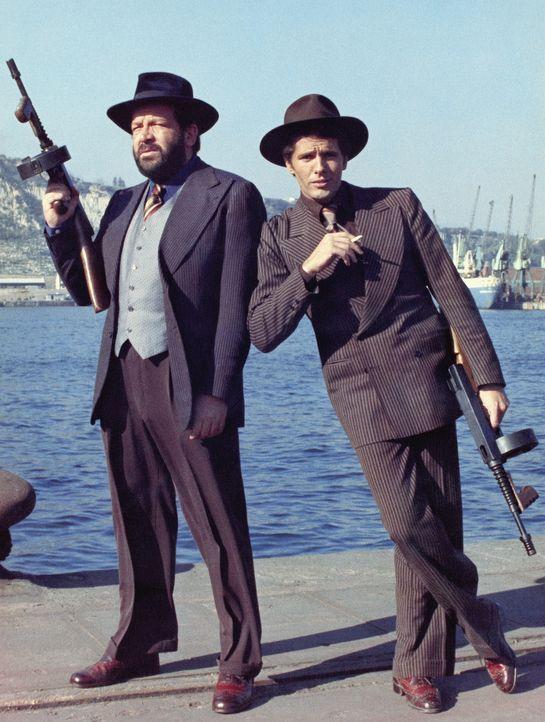 Charlie, genannt der Dicke (Bud Spencer, l.), verdient seinen Lebensunterhalt mit Catchen, bis ihm und seinem Freund Sonny (Giuliano Gemma, r.) die... - Bildquelle: BetaFilm