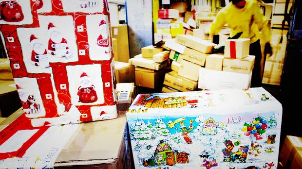 Pakete-Weihnachten_dpa