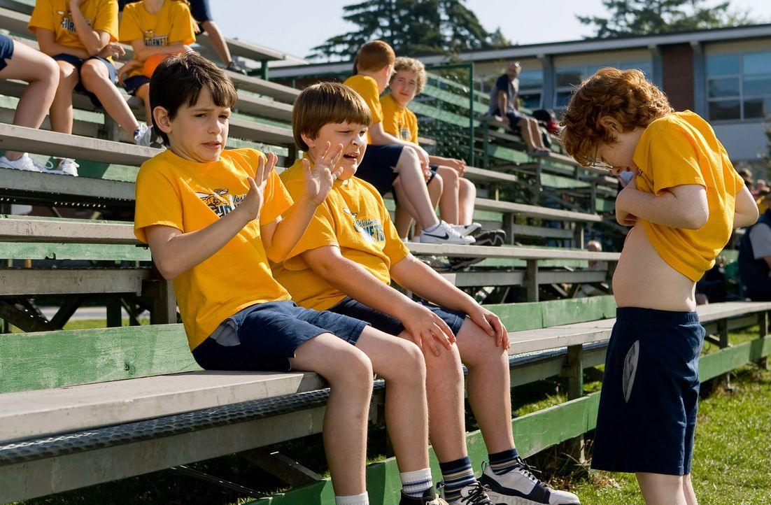 Wenn es nach Greg Heffley (Zachary Gordon, l.) ginge, gehört Rupert Jefferson (Robert Capron, M.) eindeutig nicht in die Mittelstufe, aber Finley (... - Bildquelle: 2010 Twentieth Century Fox Film Corporation. All rights reserved. DIARY OF A WIMPY KID, WIMPY KID and Greg Heffley image are trademarks of W
