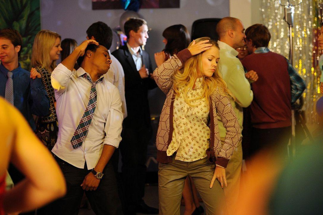 Genießen die Party in vollen Zügen: Kimantha (Abbie Cobb, r.) und Malik (Maestro Harrell, l.) ... - Bildquelle: Warner Brothers